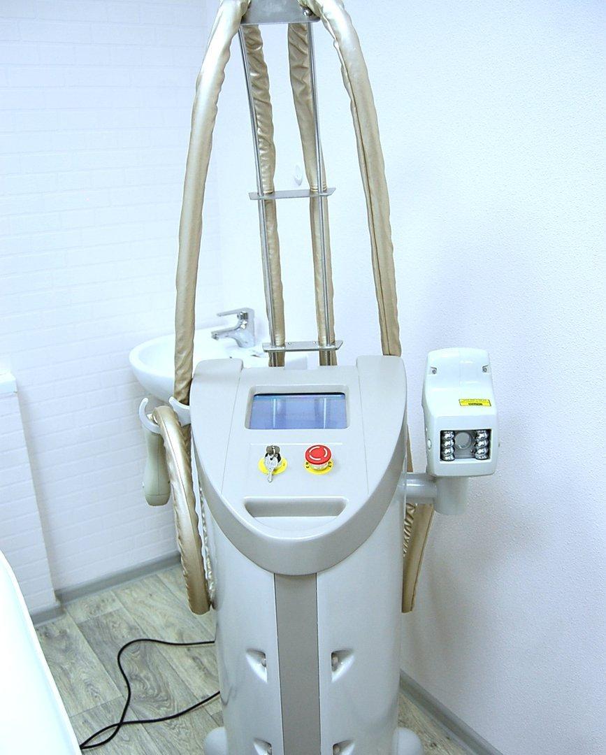 Аппарат вакуумно-роликового массажа Kuma Shape 3